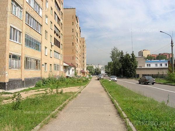 Фото г. Щелково, ул. Свирская: слева— дома 6, 4 и 2 - Щелково.ru