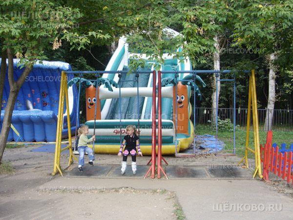 Фото качели в парке культуры и отдыха г. Щелково (ул. Строителей) - Щелково.ru