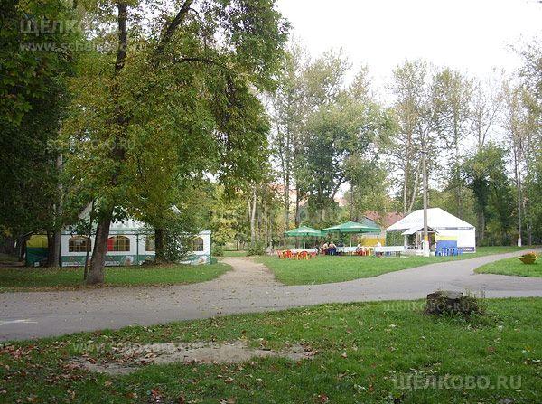 Фото летнее кафе в парке культуры и отдыха г. Щелково (ул.Пушкина) - Щелково.ru