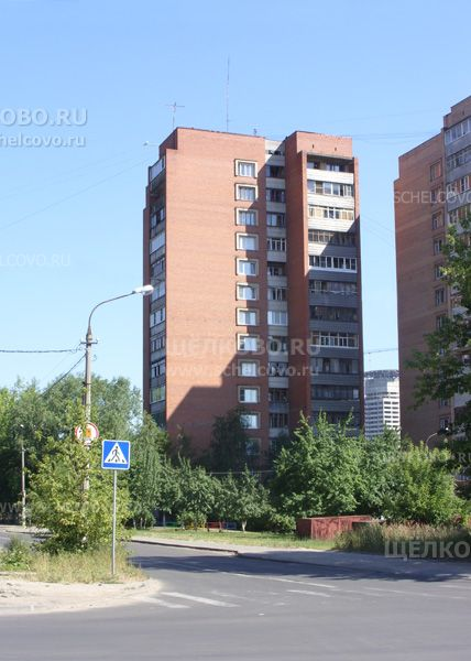 Фото г. Щелково, ул. Комсомольская, дом 2 (вид с улицы Сиреневая) - Щелково.ru