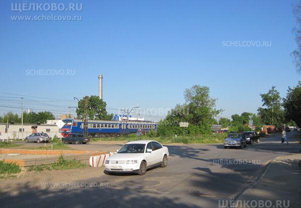 Фото железнодорожный переезд на улице Первомайская в Щелково (на пересечении с улицей Иванова) - Щелково.ru