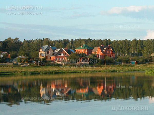 Фото дома в деревне Новая Слобода Щелковского района (на берегу Барского пруда) - Щелково.ru