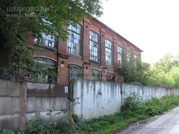 Фото корпус фабрики (вид с улицы Новая Фабрика г. Щелково) - Щелково.ru