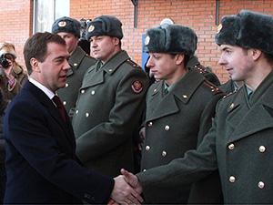 Президент России Дмитрий Медведев посетил воинскую часть в посёлке Загорянский Щёлковского района - Щелково.ru